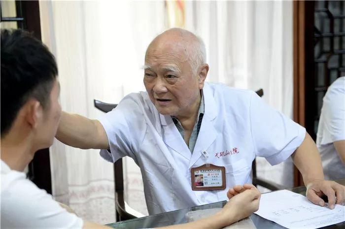 90岁芜湖国医大师李济仁:养生秘诀上央视了!想健康长寿,你得......