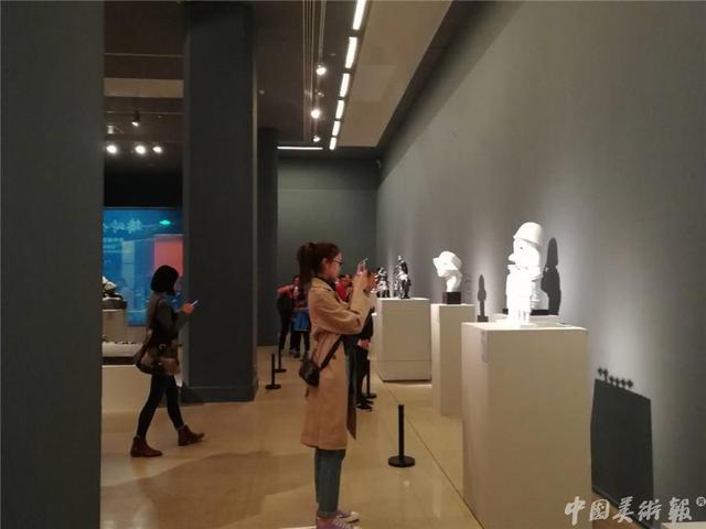 """""""铸时代篇章——青年雕塑家作品展""""在中国美术馆开幕"""