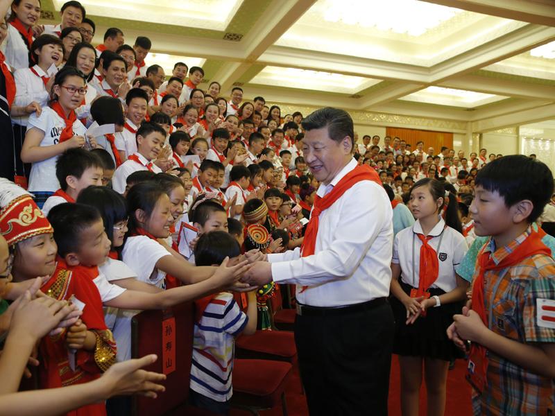 习近平会见中国少先队第七次全国代表大会代表