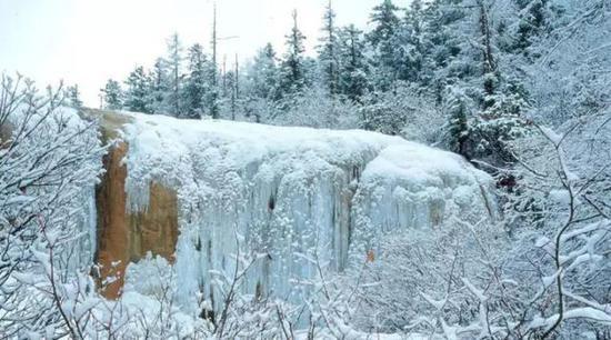 主要看气质!冬天九寨沟才是真正童话世界