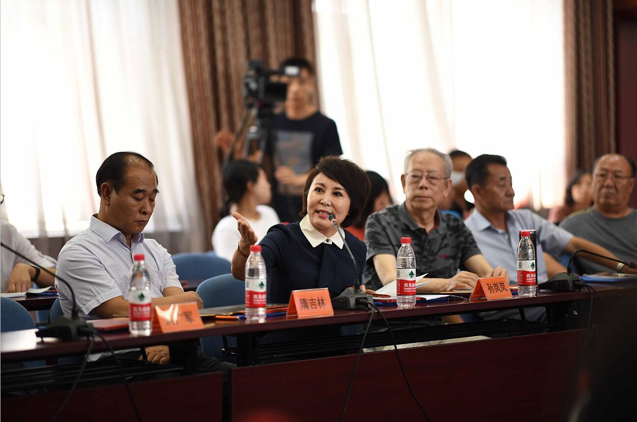 孙岚岚:齐心协力,砥砺前行,在新时代社会主义建设中发挥文艺正能量