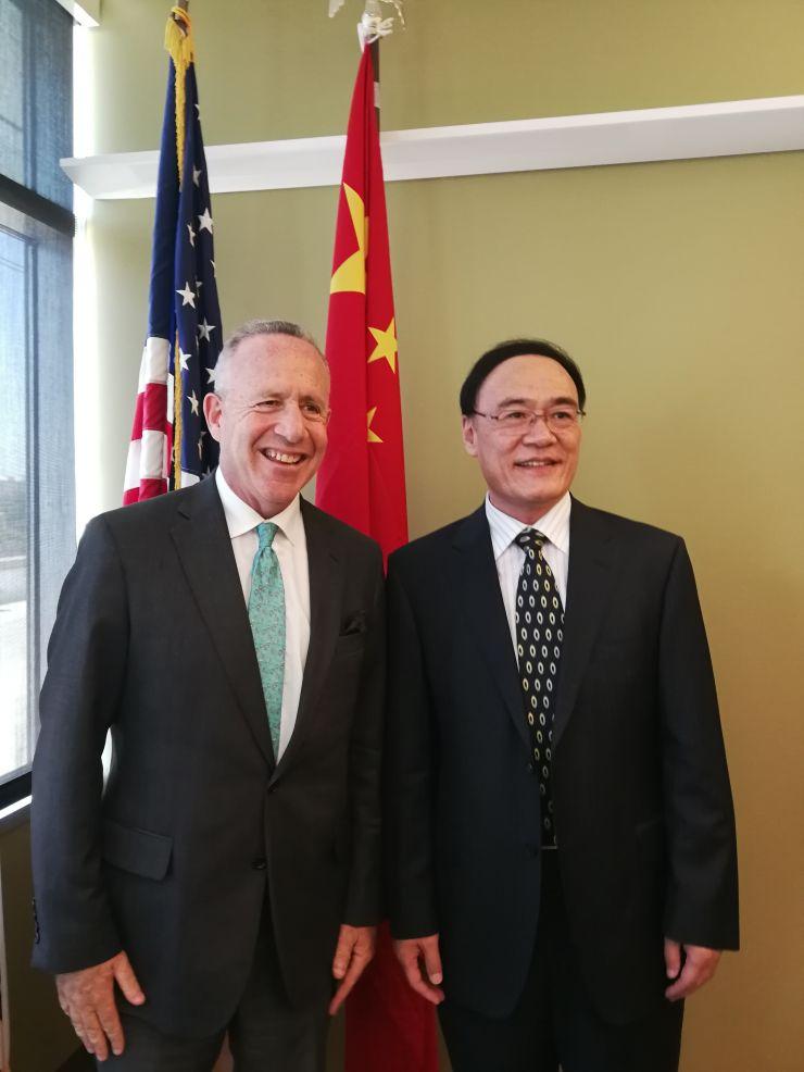王东华总领事首访加州州府 推动中国同加州的互利合作