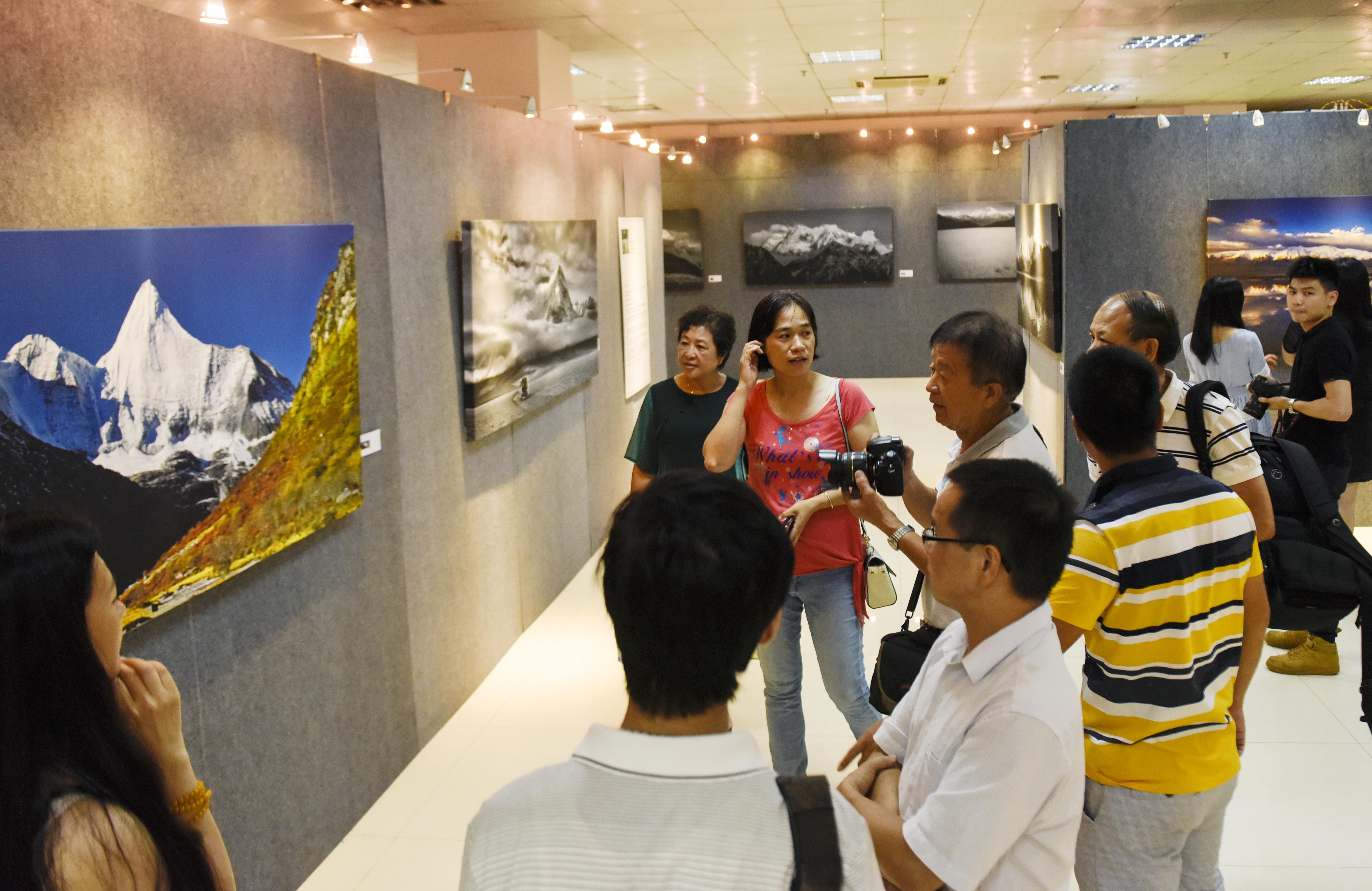 东莞市文化馆将精品展览送到基层分馆