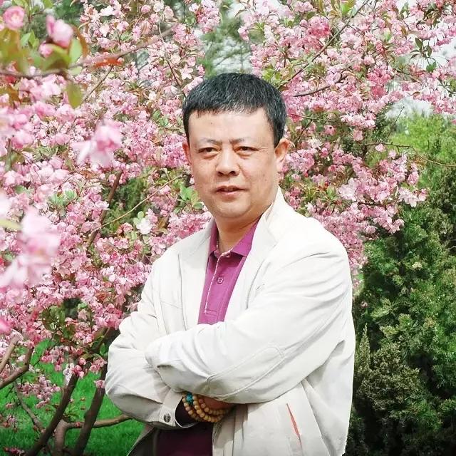 成功的人必有梦想——记丰台区美术家协会副主席兼秘书长崔泽培