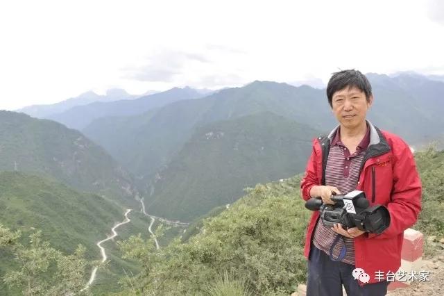 中国著名寓言诗人韩胜勋
