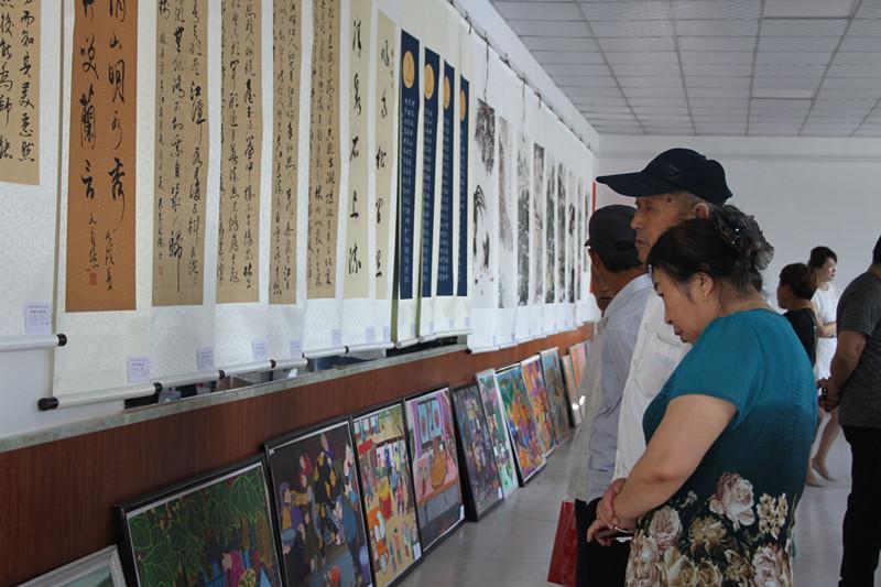 范家屯镇举办书画作品展 画出祖国山河美 书写百姓小康乐
