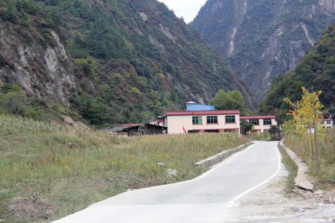 汶川绵虒镇有个世外桃源般的村寨···