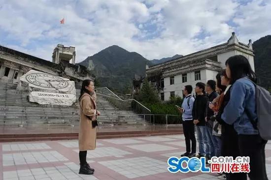 """""""港澳媒体四川行""""记者团到访地震灾区,聆听感恩与期待"""
