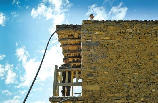 木上羌寨:百年古村的时光印记