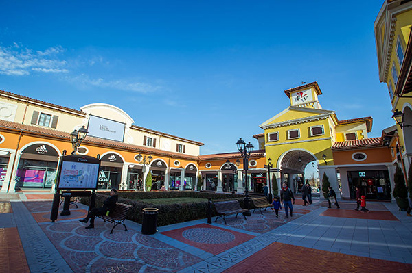 京津佛罗伦萨小镇四期启幕,消费体验强势升级