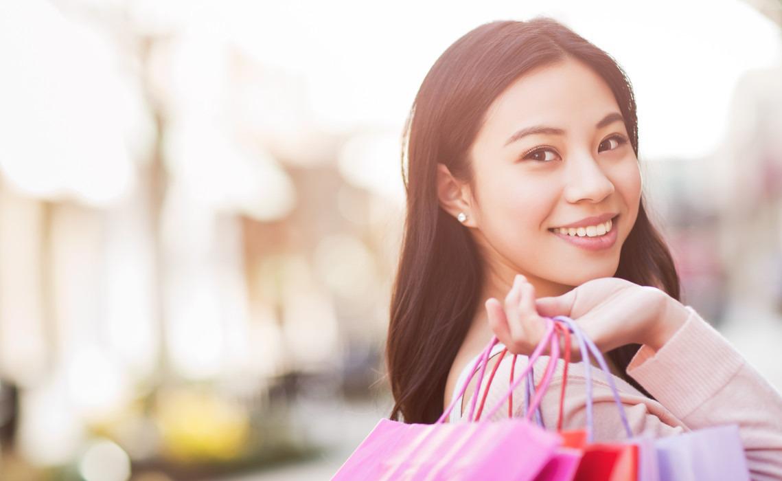 """""""她经济""""崛起 女性消费领域强势上扬"""