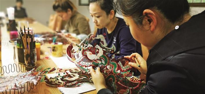 """让光影艺术获得重生--探访国家级非物质文化遗产代表性项目""""华县皮影戏"""""""