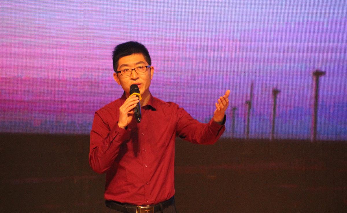 中国诗歌春晚秦皇岛赛区大赛一等奖-夏金良朗诵《在那》