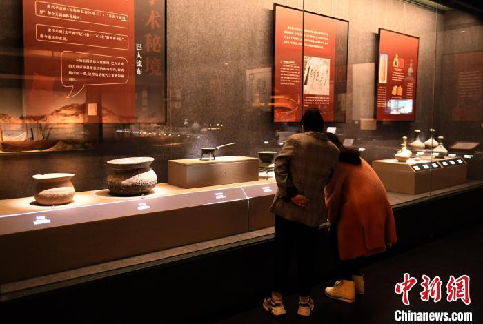 巴文化文物精品亮相重庆 全面系统展示巴国历史人文