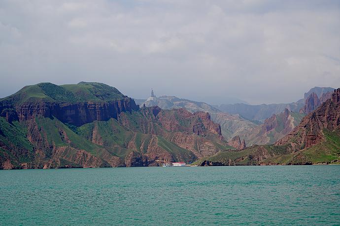 在青海,浊浪滔天的黄河也可以如此清澈美丽