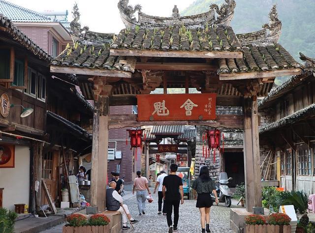 """浙江""""最有才气""""的古村——隐藏在雁荡山下的牌楼群见证着它的历史"""