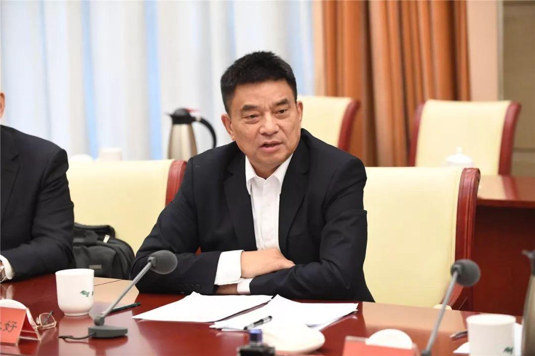 """刘永好:我不再当""""大王"""",大企业要拥抱百花齐放的时代"""