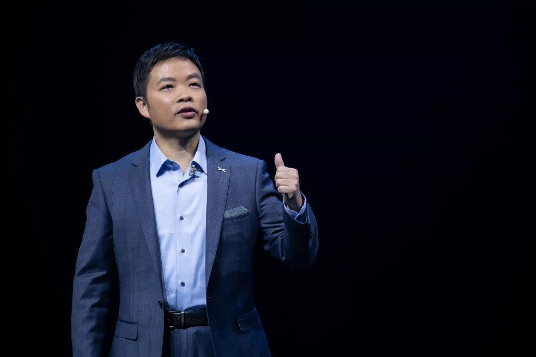 """何小鹏:在翻天巨变的时代,这样的企业才能跨越""""认知鸿沟"""""""