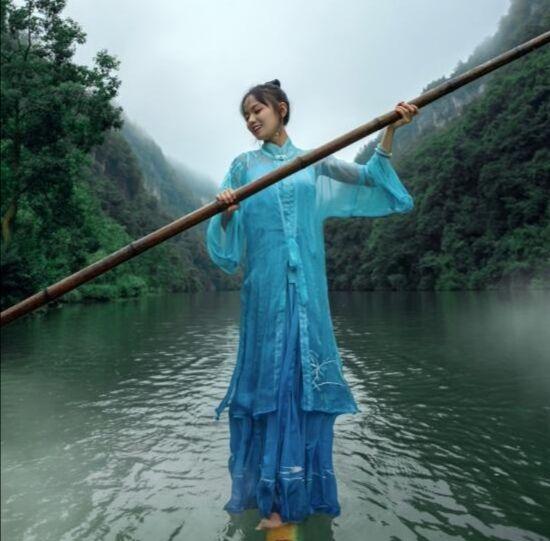 杨柳——静水人独立 竹上舞人生