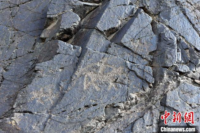甘肃肃北发现逾5000幅千年岩画 反映射猎游牧生活