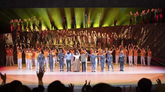 原创民族歌舞剧《郑律成》首演 ——展现时代精气神