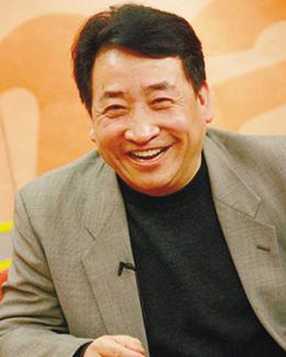 姜昆:以欢笑的形式记录时代