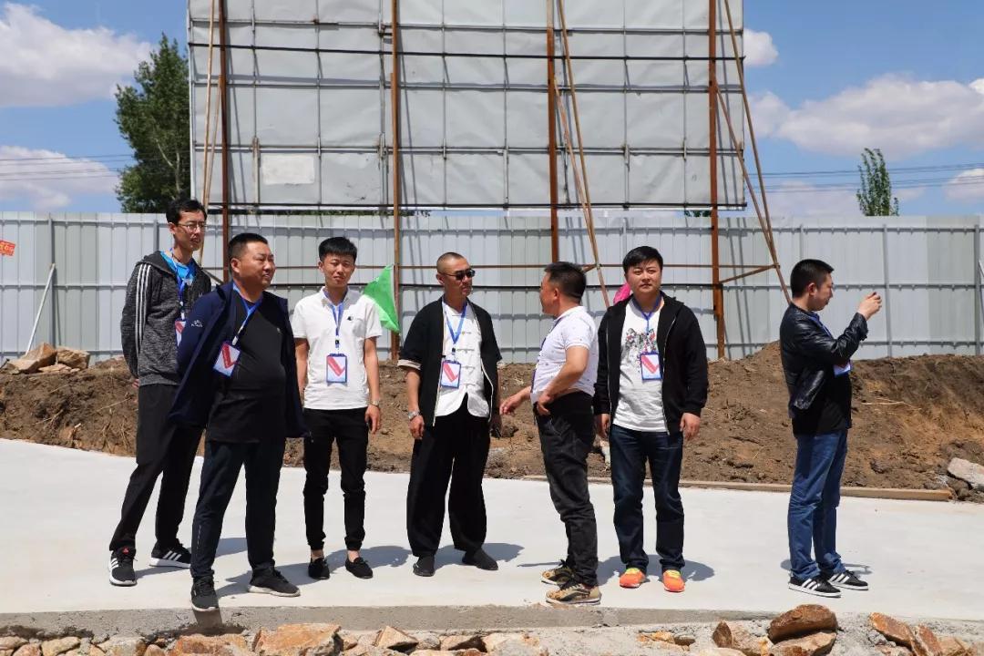公主岭开展网络大V基层行活动 探班项目建设