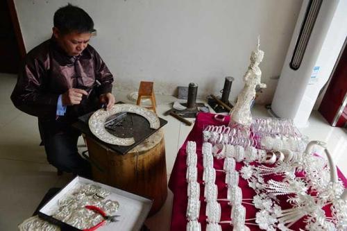 贵州非物质文化遗产——苗族银饰锻造技艺