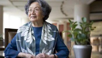叶嘉莹先生文学纪录片《掬水月在手》在京首映