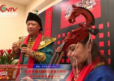 蒙古族歌唱家乌日塔一曲《父亲的草原母亲的河》 海内外万人隔空齐唱 动人心魄