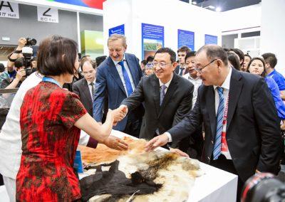 """""""万里茶道""""文化旅游博览会在内蒙古开幕"""